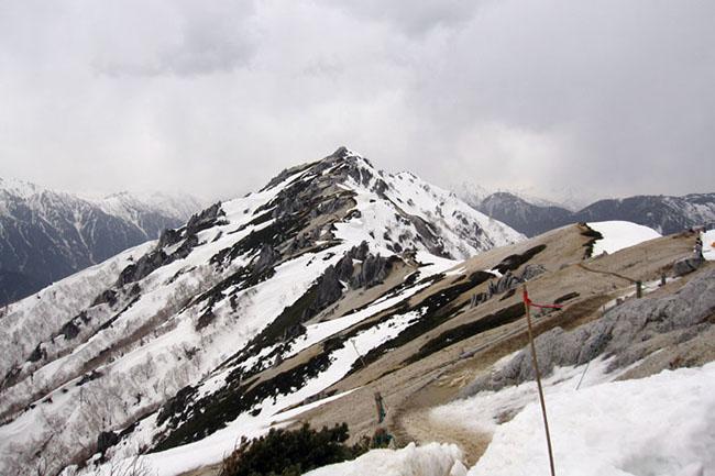 燕岳2011GW