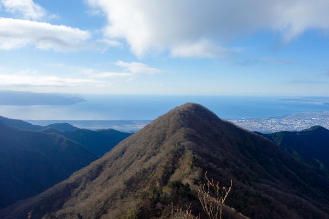 年末の愛鷹山(越前岳)日帰り登山 山神社から周回コース