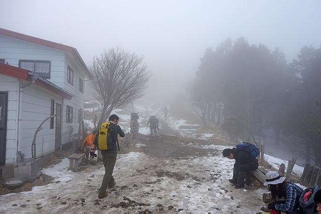 1502花立山荘2月
