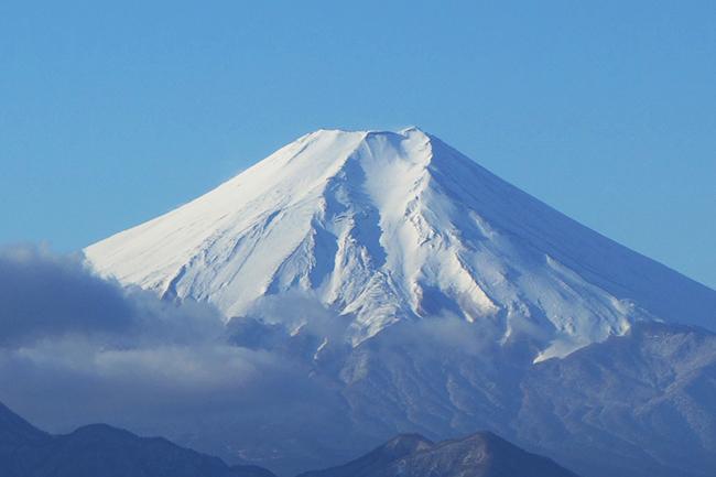百蔵山~扇山縦走 冬の富士山を眺める静かな山旅