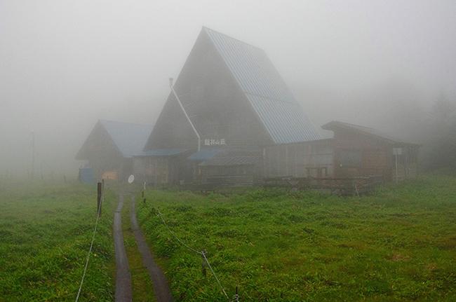 双子池でテント泊 雨池~北横岳~大岳登山