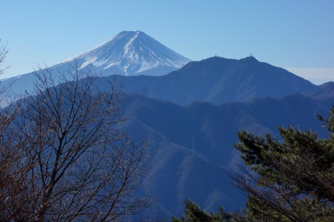 12月年末の滝子山  日帰り登山  山頂から富士山の大展望