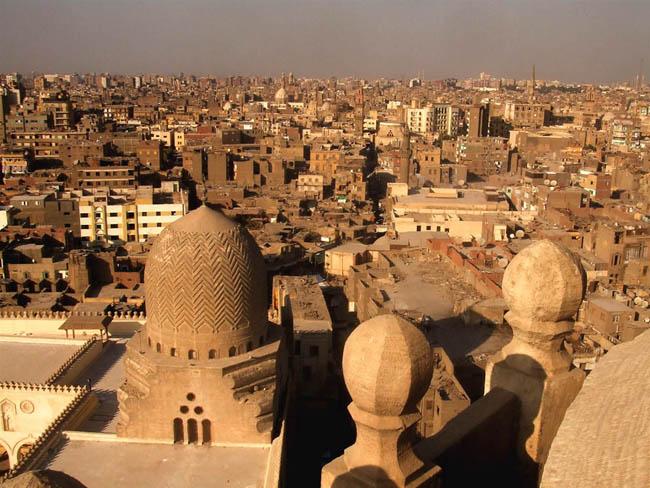 カイロは茶色で汚く、そして歴史ある美しい街だった